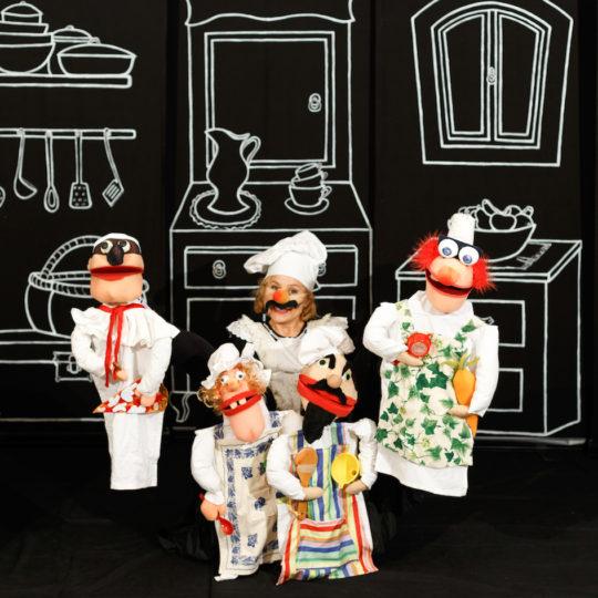https://www.festivalultanar.ro/wp-content/uploads/2018/10/Sa-gatim-cu-picioarele-foto-540x540.jpeg