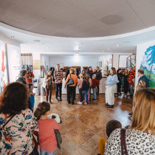 https://www.festivalultanar.ro/wp-content/uploads/2020/03/Atelier-Intalnire-cu-Rostogol-cu-Lavinia-Braniste-©Tudor-Troanca-42-540x540.jpg